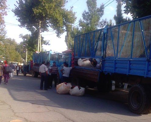 Mobilization to the cotton fields in Andijan © UGF 2016